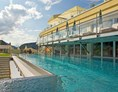 Urlaub-mit-Hund: 20m langes Sportpool - Dilly´s Wellness-Golf-Familien-Ski Resort****S