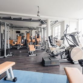 Urlaub-mit-Hund: Panorama Fitnessstudio - Dilly´s Wellness-Golf-Familien-Ski Resort****S