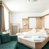 Aktiv und Wellnesshotel Traube Post Zimmerkategorien Juniorsuite Romantik Almeina