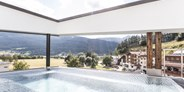 Hundehotel - Pools: Infinity Pool - Aktiv und Wellnesshotel Traube Post