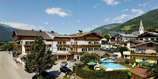 Hundehotel - Pools: Außenpool beheizt - Scharlers Boutique Hotel